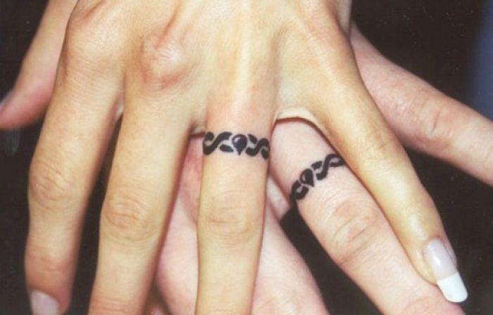 anillo-tatuaje-para-parejas-enamoradas